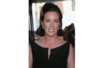 "(FILES) In this file photo taken on June 06, 2004, fashion designer Kate Spade attends the ""2004 CFDA Fashion Awards"" at the New York Public Library in New York City. Designer Kate Spade, one of the biggest names in American fashion known especially for her sleek handbags, was found dead on June 5, 2018 in her New York apartment. She was 55. A police spokeswoman said Spade had committed suicide, but told AFP the exact circumstances of her death were not yet clear. / AFP PHOTO / GETTY IMAGES NORTH AMERICA / Evan Agostini"
