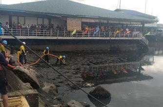 The Department of Environment and Natural Resources kicked off the rehabilitation of Manila Bay on Sunday, Jan. 27./Earlo Bringas/Eagle News/