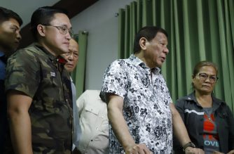 The President, accompanied by Senator Bong Go, also visited wounded soldiers./Office of Senator Bong Go/