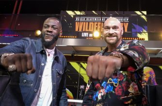 Boxers Deontay Wilder (L) and Tyson Fury (R) face-off during a press conference in Los Angeles, California on January 25, 2020, ahead of their re-match fight in Las Vegas on February 22. (Photo by RINGO CHIU / AFP)
