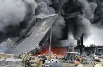 A photo posted by Public Works and Highways Secretary Mark Villar showing a part of the Skyway-stage 3 that collapsed due to the huge blaze that engulfed a nearby warehouse of San Miguel Corporation's factory that produces plastic containers in Pandacan, Manila.  (Photo courtesy DPWH Secretary Mark Villa Facebook page)