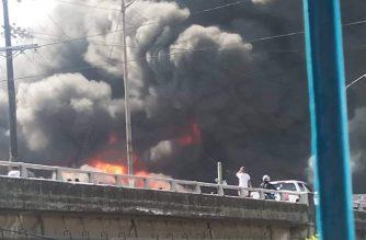 A fire struck Pandacan, Manila on Saturday, Feb. 1. /Robery Ramsey Pacheco/Eagle News/