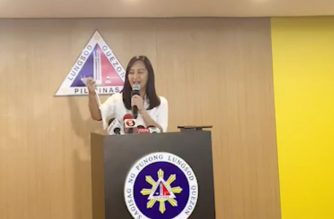 Quezon City Mayor Joy Belmonte reads a resolution passed by the city government on Friday, March 13, 2020, declaring a state of calamity in the city.  (Screenshot from Quezon City government facebook)