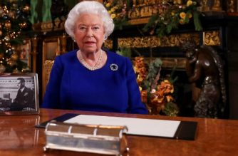 """(FILES) In this file photo taken on December 23, 2019 shows Britain's Queen Elizabeth II posing for a photograph after she recorded her annual Christmas Day message in Windsor Castle, west of London. - Queen Elizabeth II will make a special broadcast this weekend to Britain and the Commonwealth on the coronavirus pandemic, Buckingham Palace said on Apri 3, 2020. """"The televised address will be broadcast at 8pm (1900 GMT) on Sunday 5th April, 2020. The pre-recorded address was recorded at Windsor Castle,"""" a statement said. (Photo by Steve Parsons / POOL / AFP)"""