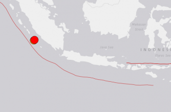 JUST IN: Twin quakes measuring magnitude 6.8 and 6.9 strike off Indonesia: USGS
