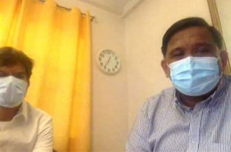 University of the Philippines professors Ranjit Rye (right) and Dr. Guido David talk about UP COVID-19 projections in a Laging Handa press briefing. (Screenshot of PCOO video)