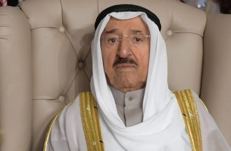 (FILES) In this file photo taken on March 31, 2019 Kuwait's Emir Sheikh Sabah al-Ahmad al-Jaber al-Sabah (C) attends the opening session of the 30th Arab League summit in the Tunisian capital Tunis. - Kuwait's emir, Sheikh Sabah Al-Ahmad Al-Sabah, died on September 29, 2020 at the age of 91, according to the royal court. (Photo by FETHI BELAID / POOL / AFP)