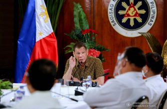 President Rodrigo Roa Duterte presides over a meeting with the Inter-Agency Task Force on the Emerging Infectious Diseases (IATF-EID) core members prior to his talk to the people at the Malago Clubhouse in Malacañang on September 28, 2020. ROBINSON NIÑAL/ PRESIDENTIAL PHOTO