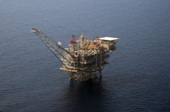 An aerial view taken on July 30, 2015 shows the Tamar Israeli gas-drill platform in the Mediterranean Sea off the coast of Israel. The Tamar platform is located south-west off Tel Aviv, and some 150 kilometres south of the actual reservoir, from which it receives the gas via an underwater pipeline, before processing it. Israeli Prime Minister Benjamin Netanyahu announced on August 13, 2015 a major deal between his government and a consortium including US firm Noble Energy on natural gas production in the Mediterranean Sea. AFP PHOTO / AHIKAM SERI (Photo by AHIKAM SERI / AFP)