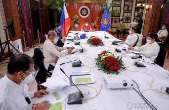 President Rodrigo Roa Duterte presides over a meeting with the Inter-Agency Task Force on the Emerging Infectious Diseases (IATF-EID) core members prior to his talk to the people at the Malacañang Golf (Malago) Clubhouse in Malacañang Park, Manila on October 19, 2020. RICHARD MADELO/PRESIDENTIAL PHOTO