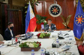President Rodrigo Roa Duterte presides over a meeting with the Inter-Agency Task Force on the Emerging Infectious Diseases (IATF-EID) core members prior to his talk to the people at the Malago Clubhouse in Malacañang on October 5, 2020. SIMEON CELI/ PRESIDENTIAL PHOTO