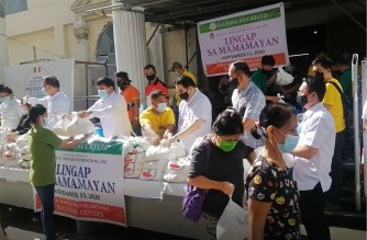 A scene at pne of the Lingap sa Mamamayan (Aid to Humanity) venues of the Iglesia Ni Cristo for those severely hit by Typhoon Ulysses.  This was taken on Friday, Nov. 13 in Paranaque City.  (Screengrab of video/Eagle News Service)