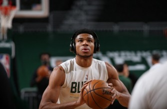 MILWAUKEE, WI - FEBRUARY 28: Giannis Antetokounmpo #34 of the Milwaukee Bucks warms up before the game against the LA Clippers on February 28, 2021 at the Fiserv Forum Center in Milwaukee, Wisconsin. NOTE TO USER: User expressly acknowledges and agrees that, by downloading and or using this Photograph, user is consenting to the terms and conditions of the Getty Images License Agreement. Mandatory Copyright Notice: Copyright 2021 NBAE   Gary Dineen/NBAE via Getty Images/AFP. (Photo by Gary Dineen / NBAE / Getty Images / Getty Images via AFP)