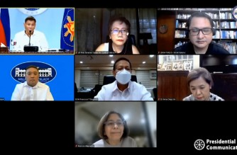 """A screenshot of the April 21, 2021 """"Talk to the Nation"""" of President Rodrigo Duterte where he consulted health experts from the Technical Advisory Group (TAG) of the Department of Health. (Courtesy PCOO/RTVM)"""