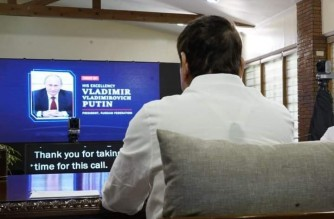 "President Rodrigo Duterte and Russian President Vladimir Putin discuss strengthened cooperation to fight COVID-19 in online meeting on Tuesday, April 13, 2021.  (Photo courtesy Sen. Cristopher ""Bong"" Go)"