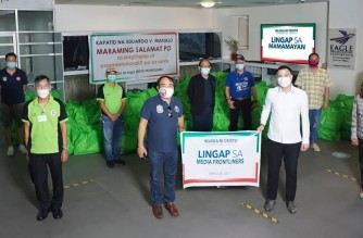 Media frontliners are the beneficiaries of the latest Lingap sa Mamamayan (Aid to Humanity) of the Iglesia Ni Cristo (Church Of Christ) which continues to help those affected by the pandemic.  (Eagle News Service)