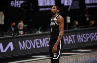 BROOKLYN, NY - JUNE 19: Kevin Durant #7 of the Brooklyn Nets shoots the ball against the Milwaukee Bucks during Round 2, Game 7 on June 19, 2021 at Barclays Center in Brooklyn, New York. NOTE TO USER: User expressly acknowledges and agrees that, by downloading and/or using this Photograph, user is consenting to the terms and conditions of the Getty Images License Agreement. Mandatory Copyright Notice: Copyright 2021 NBAE   David Dow/NBAE via Getty Images/AFP (Photo by David Dow / NBAE / Getty Images / Getty Images via AFP)