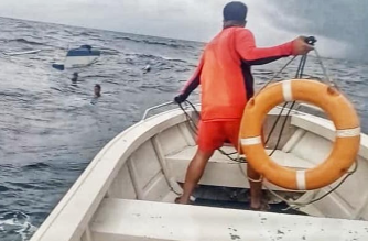 PCG rescues two fishermen off Batangas after motorbanca capsizes