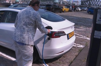 They are best known for bike-riding, but the climate-vulnerable Dutch are leading the way for electric cars with the largest number of charging stations in Europe. Teslas and other vehicles can be seen plugged in on practically every street corner thanks to a network of some 75,000 stations -- nearly a third of the entire EU total.