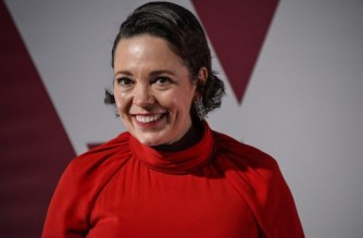 Enlgish actress Olivia Colman arrives at a screening of the Oscars on April 26, 2021 in London. (Photo by Alberto Pezzali / POOL / AFP)