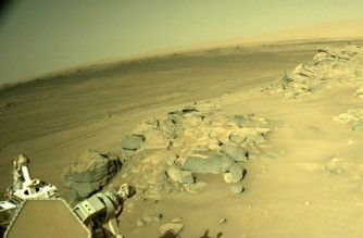 """This handout image courtesy of NASA shows an image acquired on August 20, 2021 (Sol 178) by Mars Perseverance rover using its onboard Right Navigation Camera (Navcam). - The mission took off from Florida a little over a year ago and Perseverance, which is the size of a large family car, landed on February 18 in the Jezero Crater. Scientists believe the crater contained a deep lake 3.5 billion years ago, where the conditions may have been able to support extraterrestrial life. (Photo by Handout / various sources / AFP) / RESTRICTED TO EDITORIAL USE - MANDATORY CREDIT """"AFP PHOTO / NASA/JPL-Caltech"""" - NO MARKETING - NO ADVERTISING CAMPAIGNS - DISTRIBUTED AS A SERVICE TO CLIENTS"""