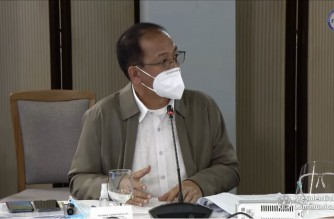 Vaccine czar Secretary Carlito Galvez Jr., explaining the vaccine rollout in the country to President Rodrigo Duterte during the latter's Talk To The People on Sept. 22, 2021. (Screenshot of PCOO/RTVM video)