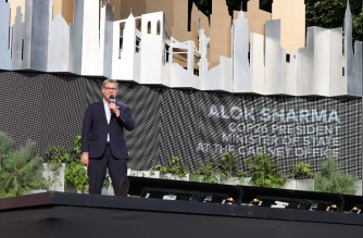 NEW YORK, NEW YORK - SEPTEMBER 25: Alok Sharma speaks onstage during Global Citizen Live, New York on September 25, 2021 in New York City.   Theo Wargo/Getty Images for Global Citizen/AFP (Photo by Theo Wargo / GETTY IMAGES NORTH AMERICA / Getty Images via AFP)